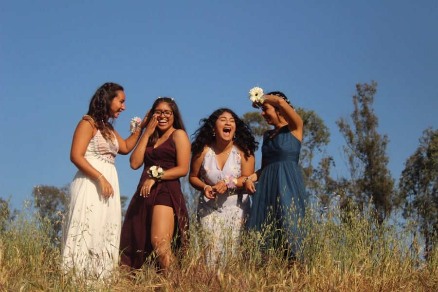 Sabrina Smith, Kathy Zamora, Karina Ramos, and Maggie Hernandez were captured taking Prom pictures for the 2017-2018 school year